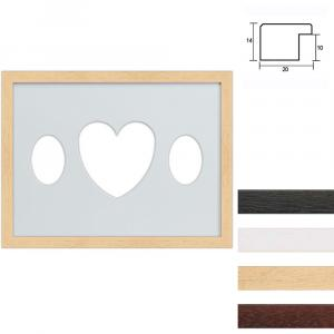 Galleriram av trä i 30x40 cm för 3 foton med oval utsnitt med hjärta