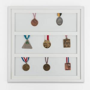 Medaljram 50x50 cm, vit