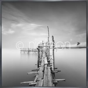 "Inramad bild ""Malaysian Fishing I"" med aluminiumram Alpha"
