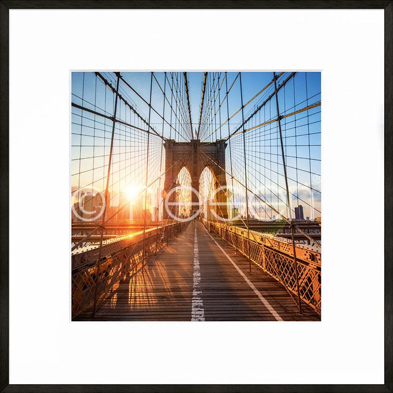 "Inramad bild ""Brooklyn Bridge"" med aluminiumram C2"