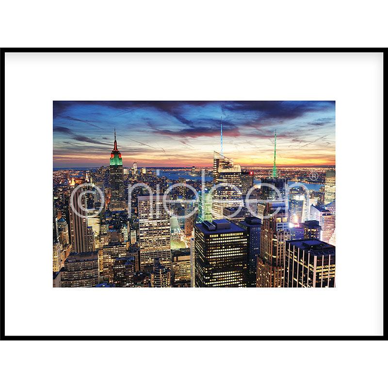 """Inramad bild """"Skyline at Night"""" med aluminiumram C2"""