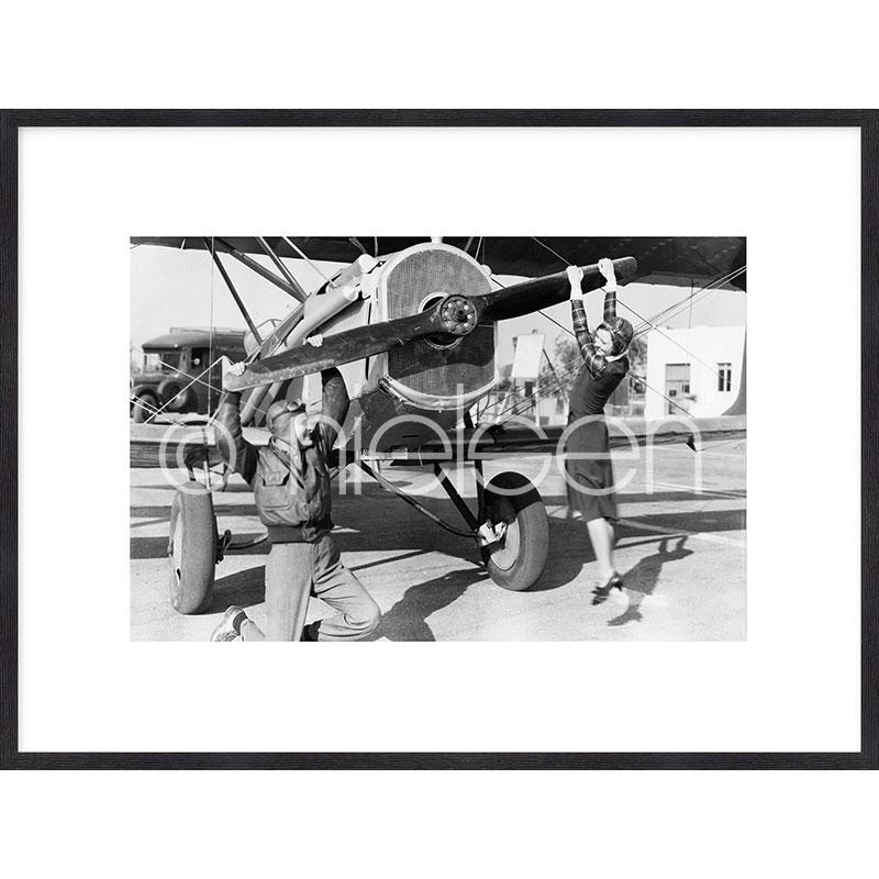 """Inramad bild """"Historic plane II"""" med träram Quadrum"""