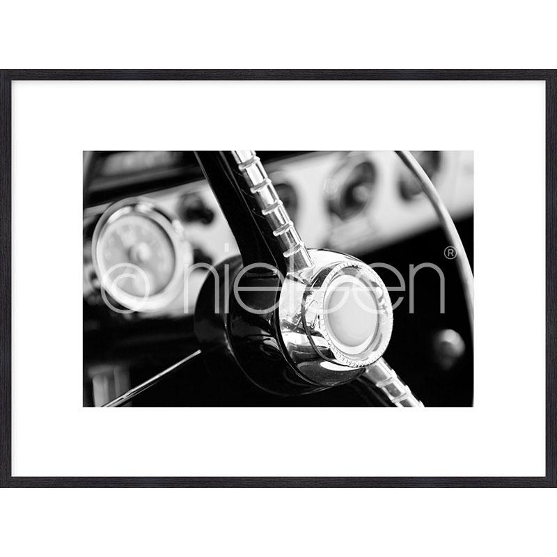 """Inramad bild """"Interior of Classic Car"""" med träram Quadrum"""