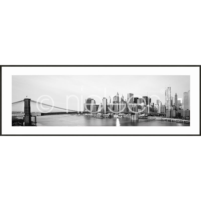 "Inramad bild ""New York City Skyline"" med aluminiumram C2"